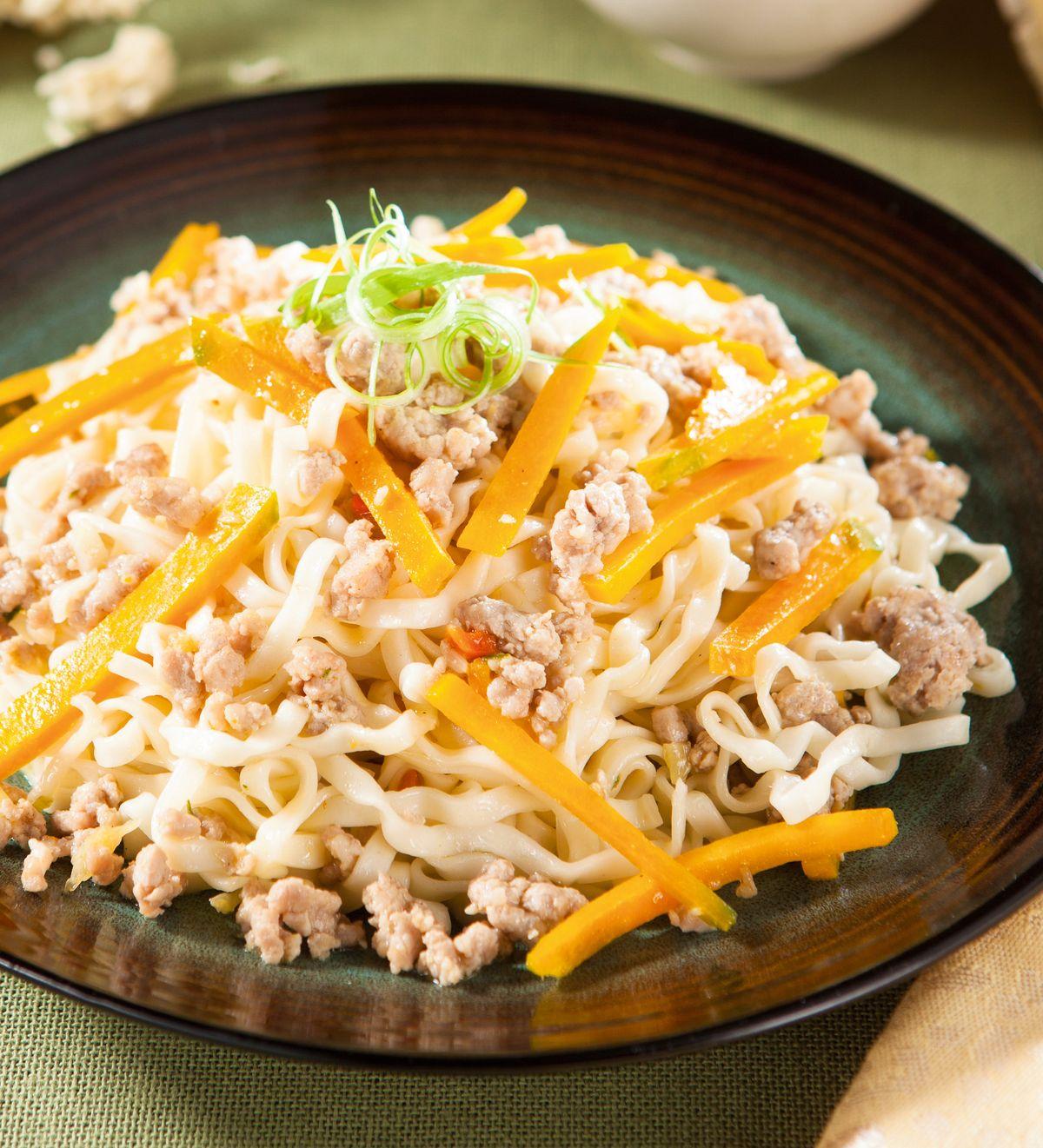 食譜:肉燥南瓜炒麵