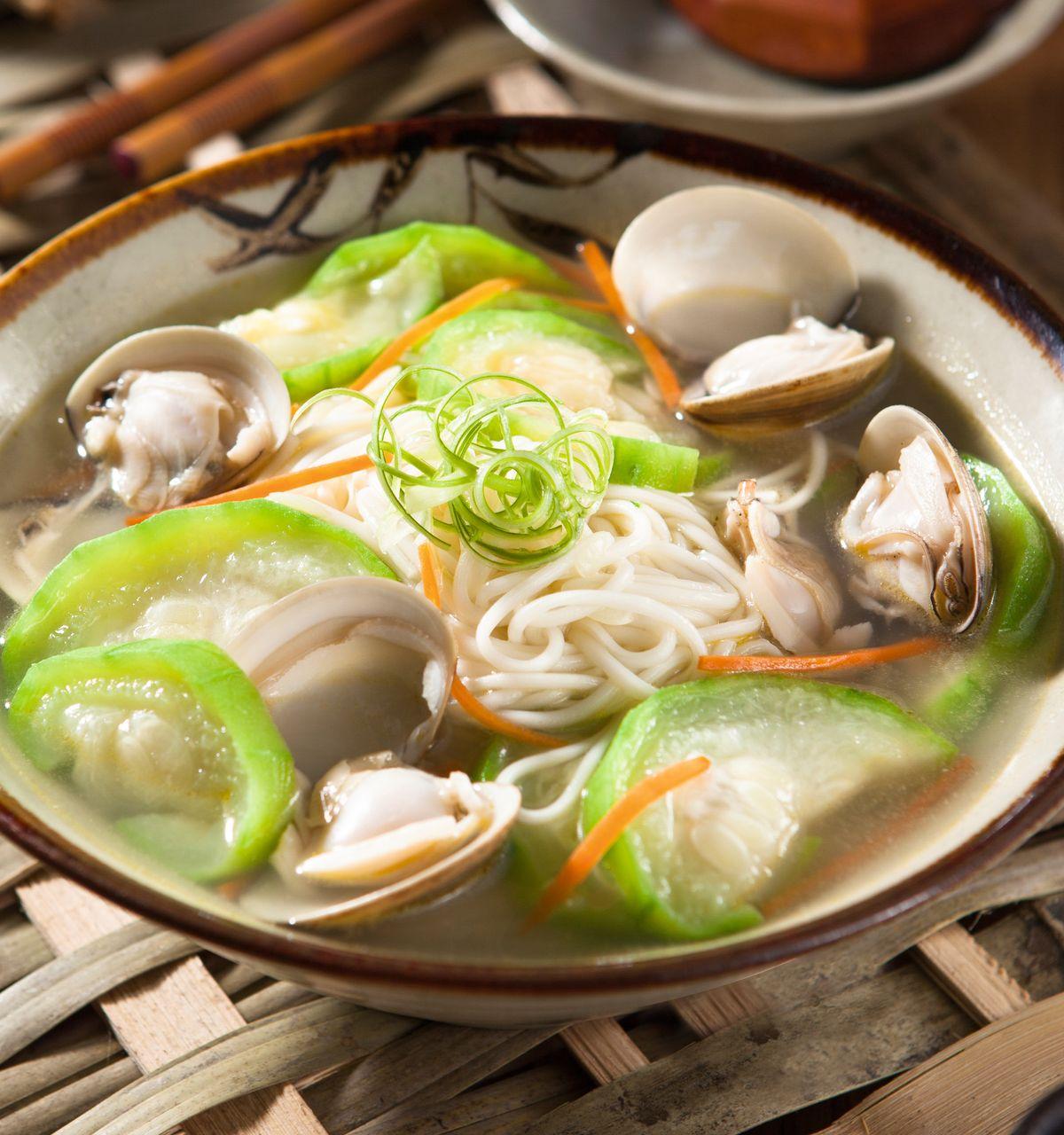 食譜:蛤蜊絲瓜湯麵