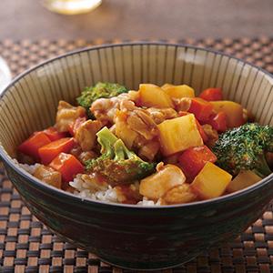 咖哩雞丁蓋飯(1)