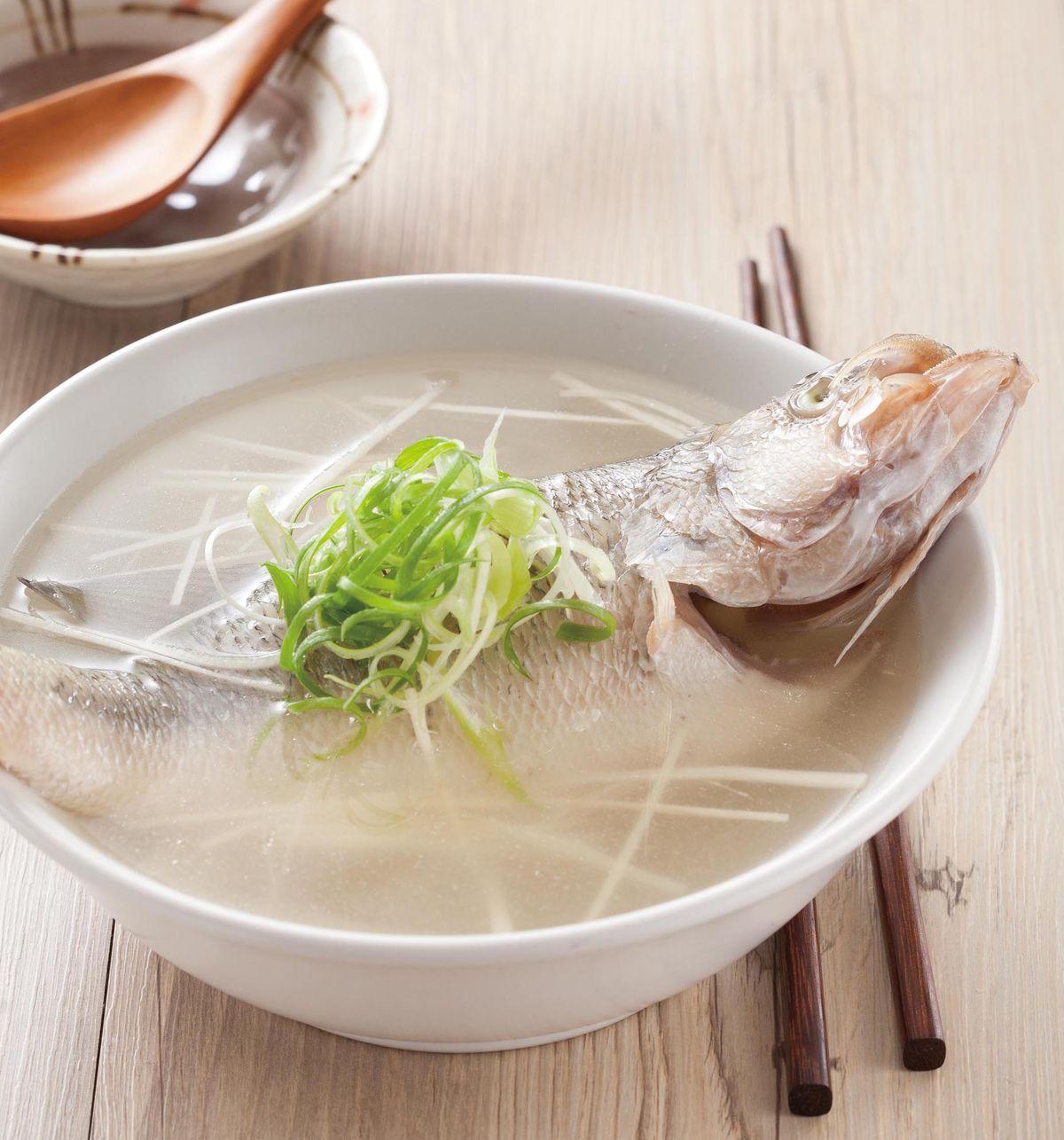 食譜:薑絲鱸魚湯