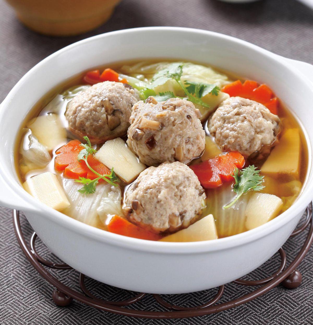 食譜:香菇肉丸白菜鍋