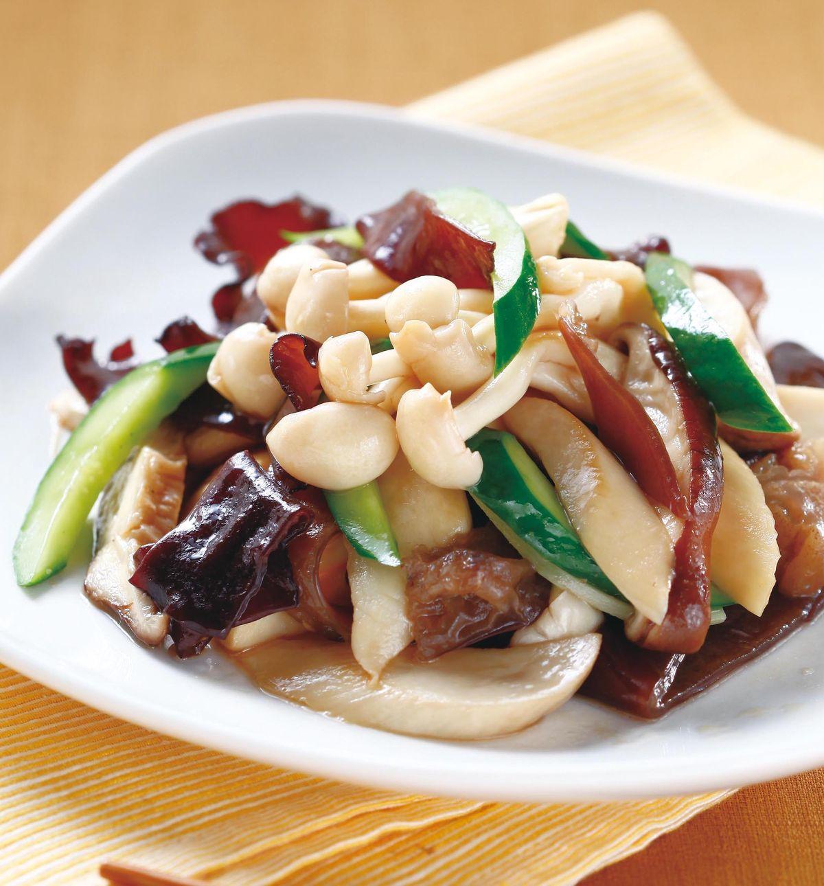 食譜:木耳黃瓜炒鮮菇