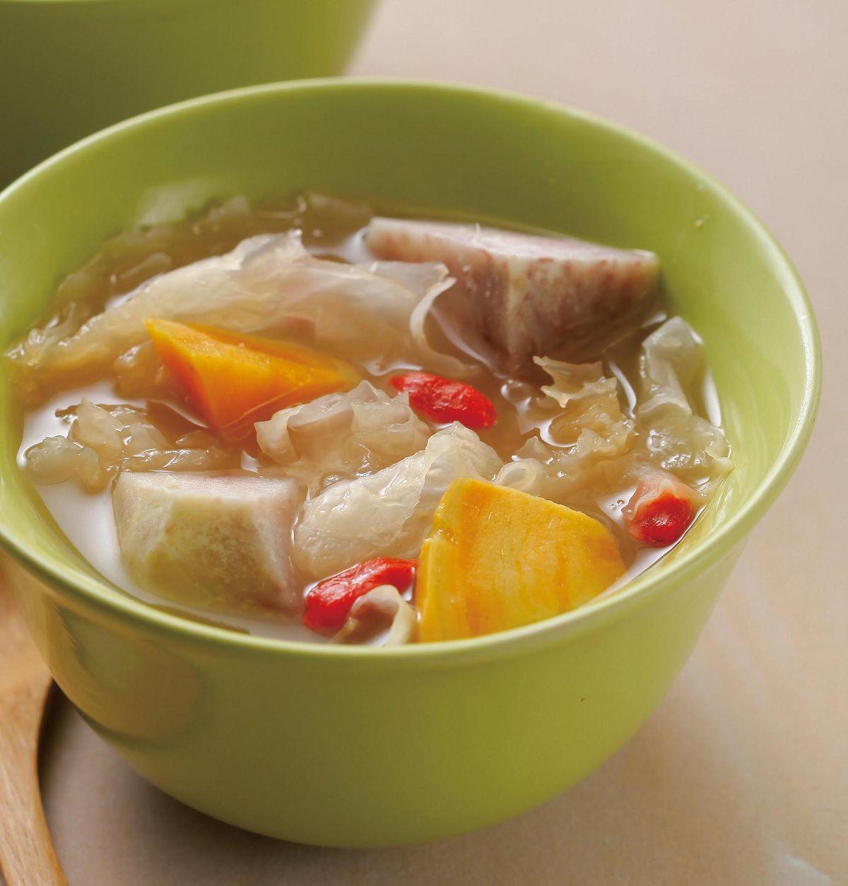 食譜:紅薯芋頭枸杞雪耳湯