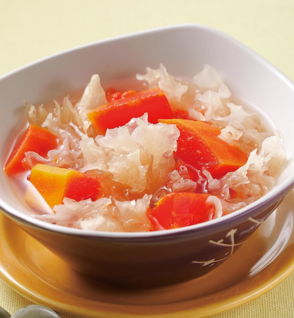 食譜:雪耳燉木瓜