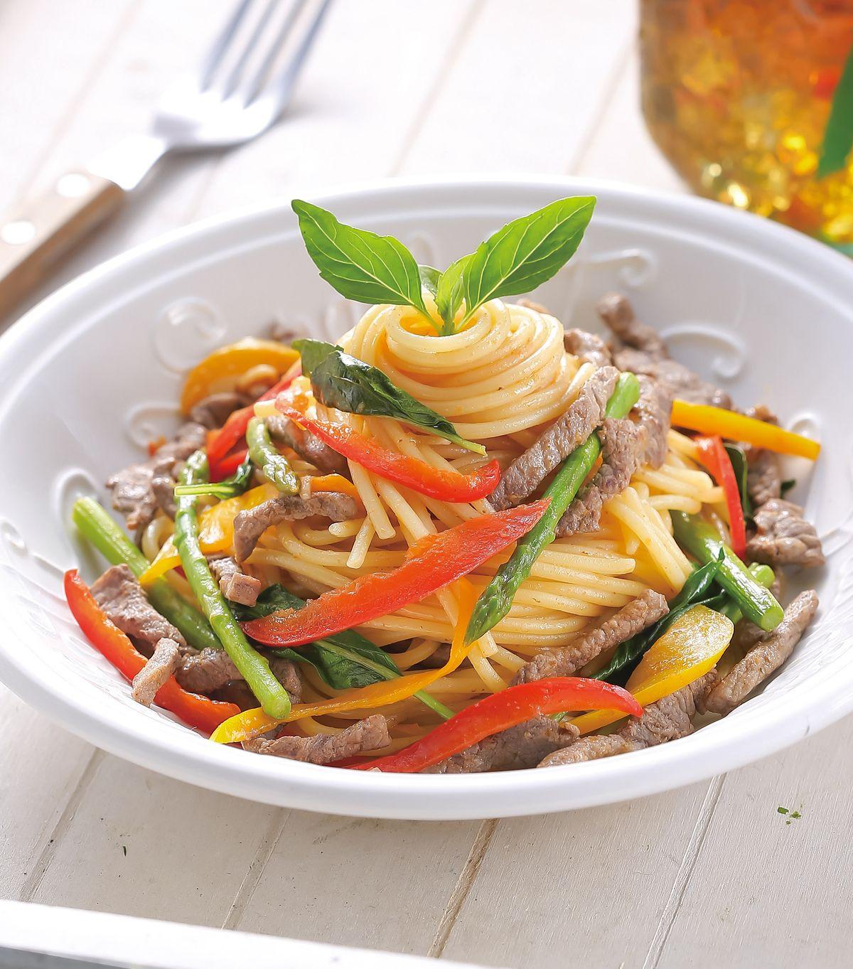 食譜:泰式酸辣牛肉義大利麵