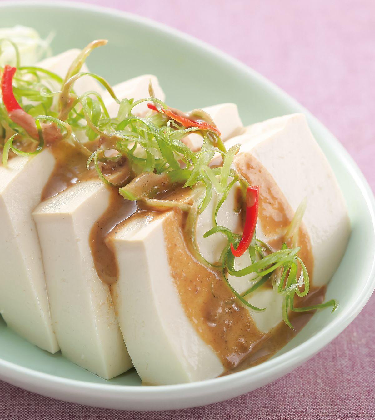 食譜:和風胡麻醬淋豆腐