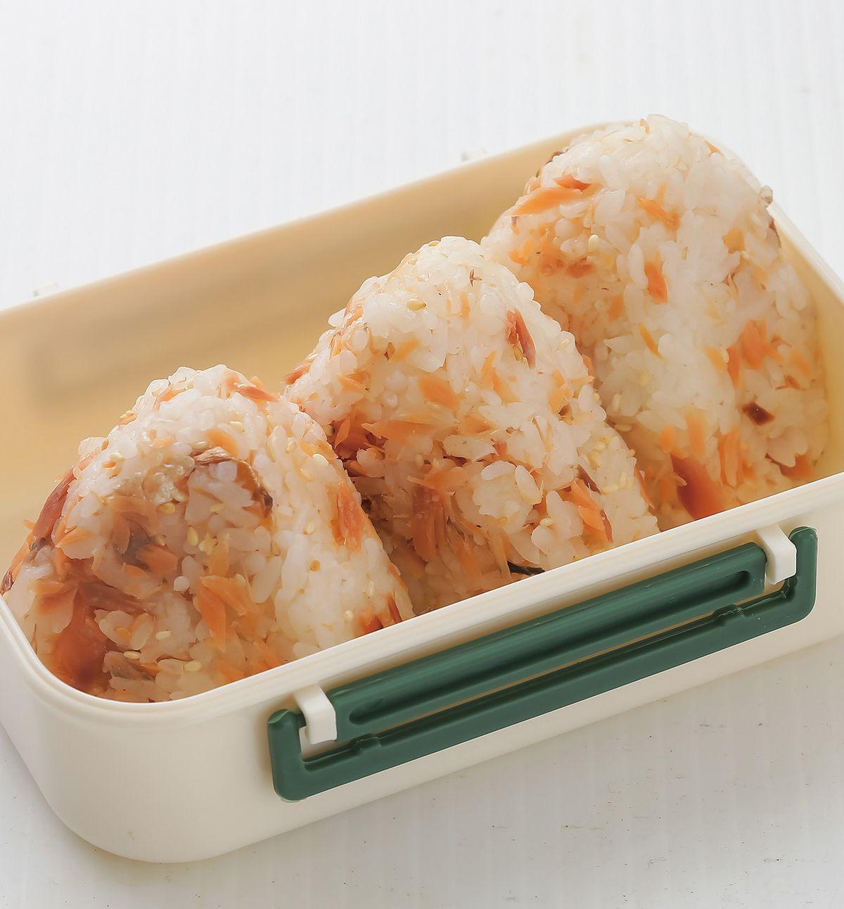 食譜:鮭魚飯糰(1)