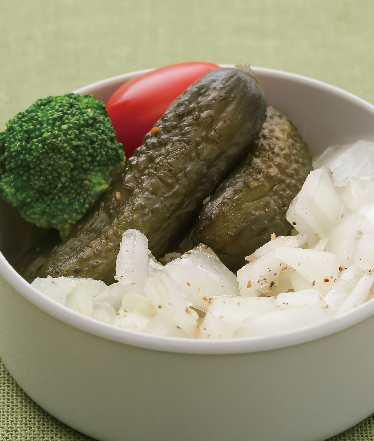 食譜:酸黃瓜洋蔥丁