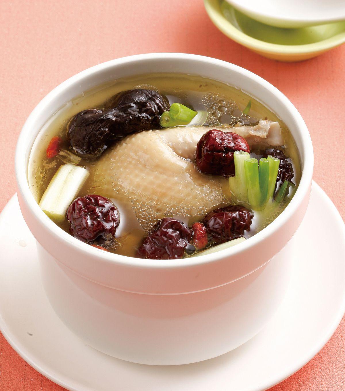 食譜:紅棗燉雞湯