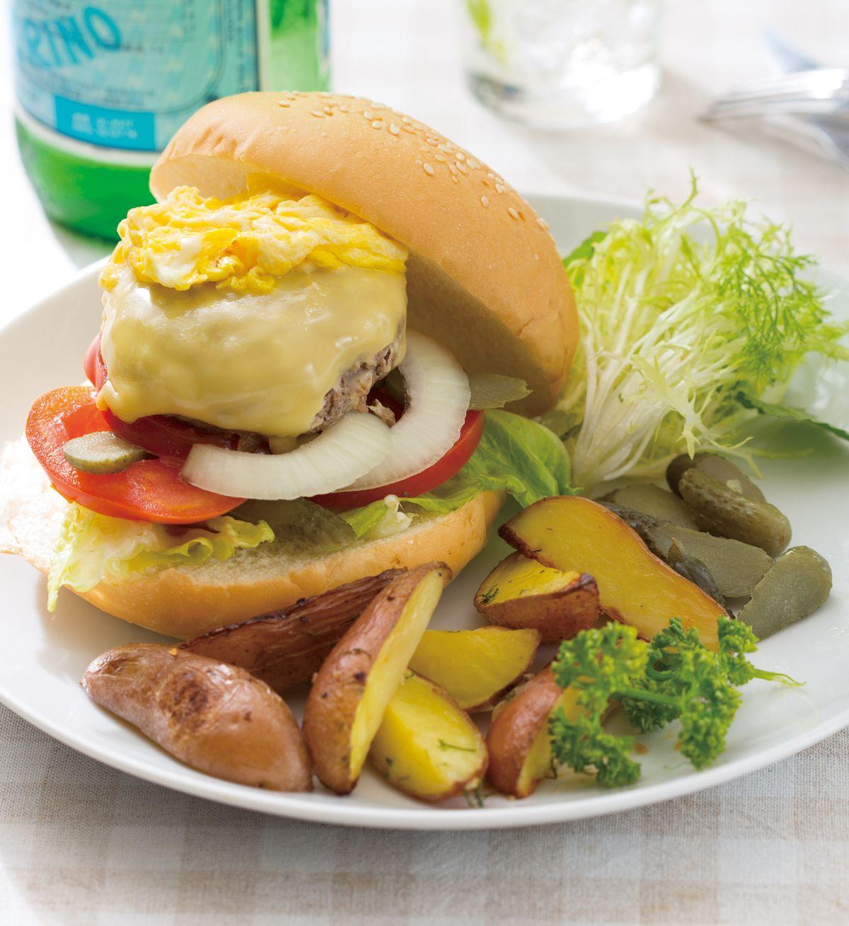 食譜:滑蛋起司牛肉堡