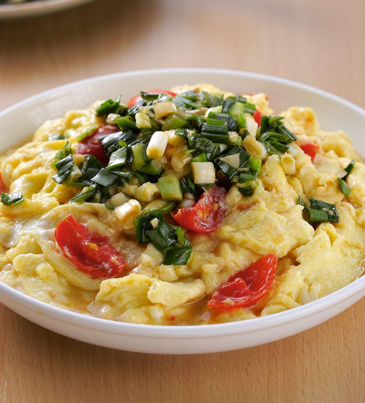 食譜:軟滑蛋佐韭菜醬