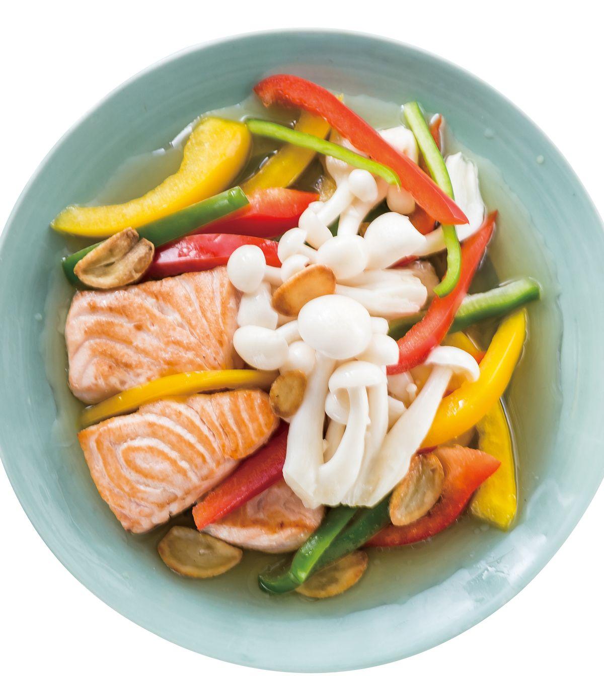 食譜:彩椒雪白鮭魚沙拉