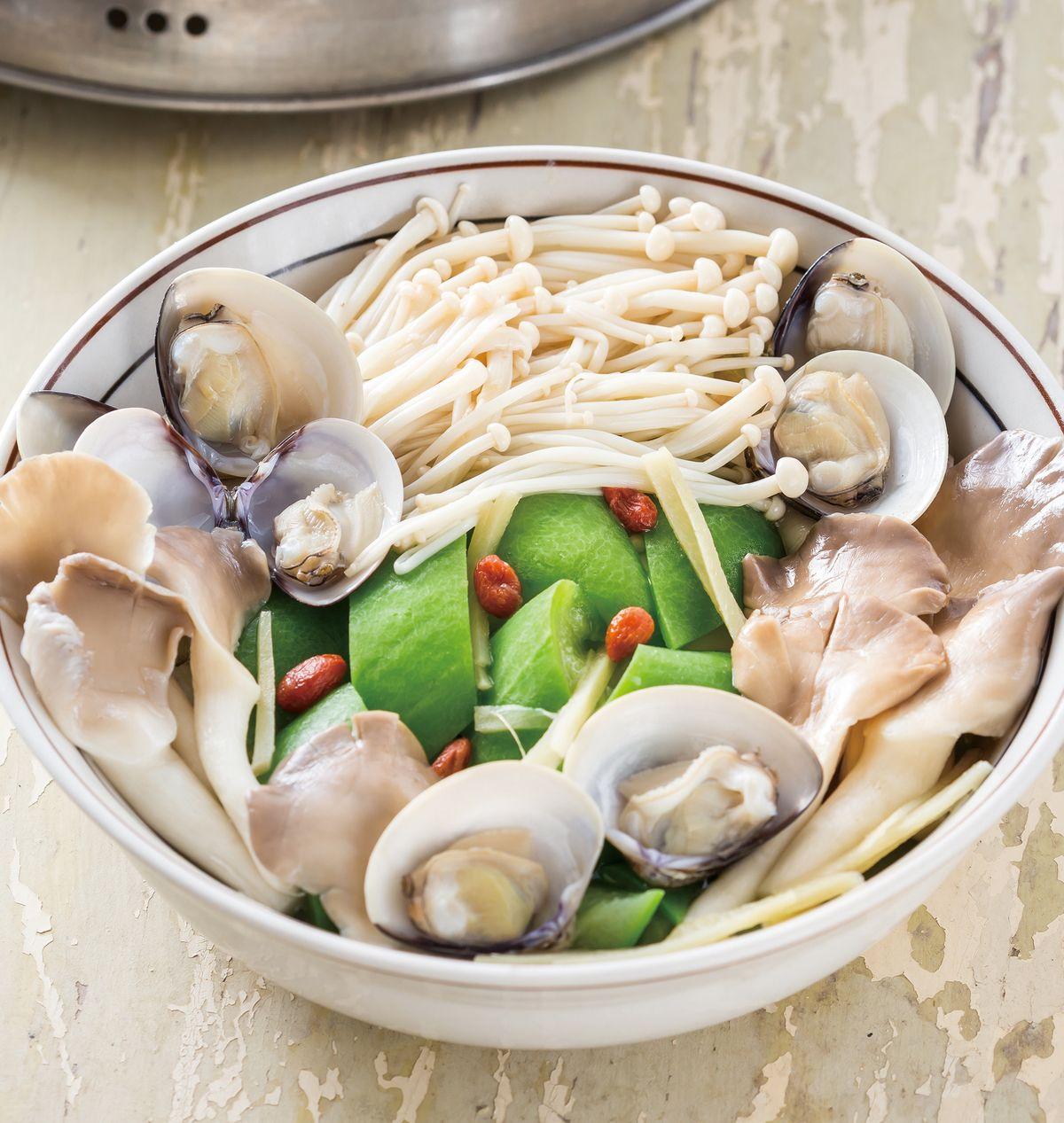 食譜:金針菇蒸絲瓜