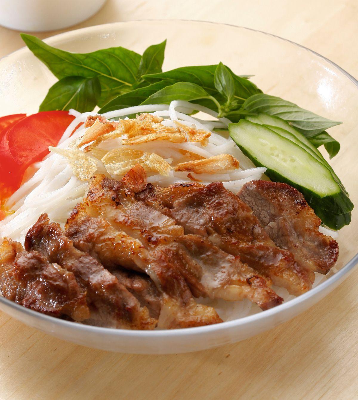 食譜:越式烤肉拌麵