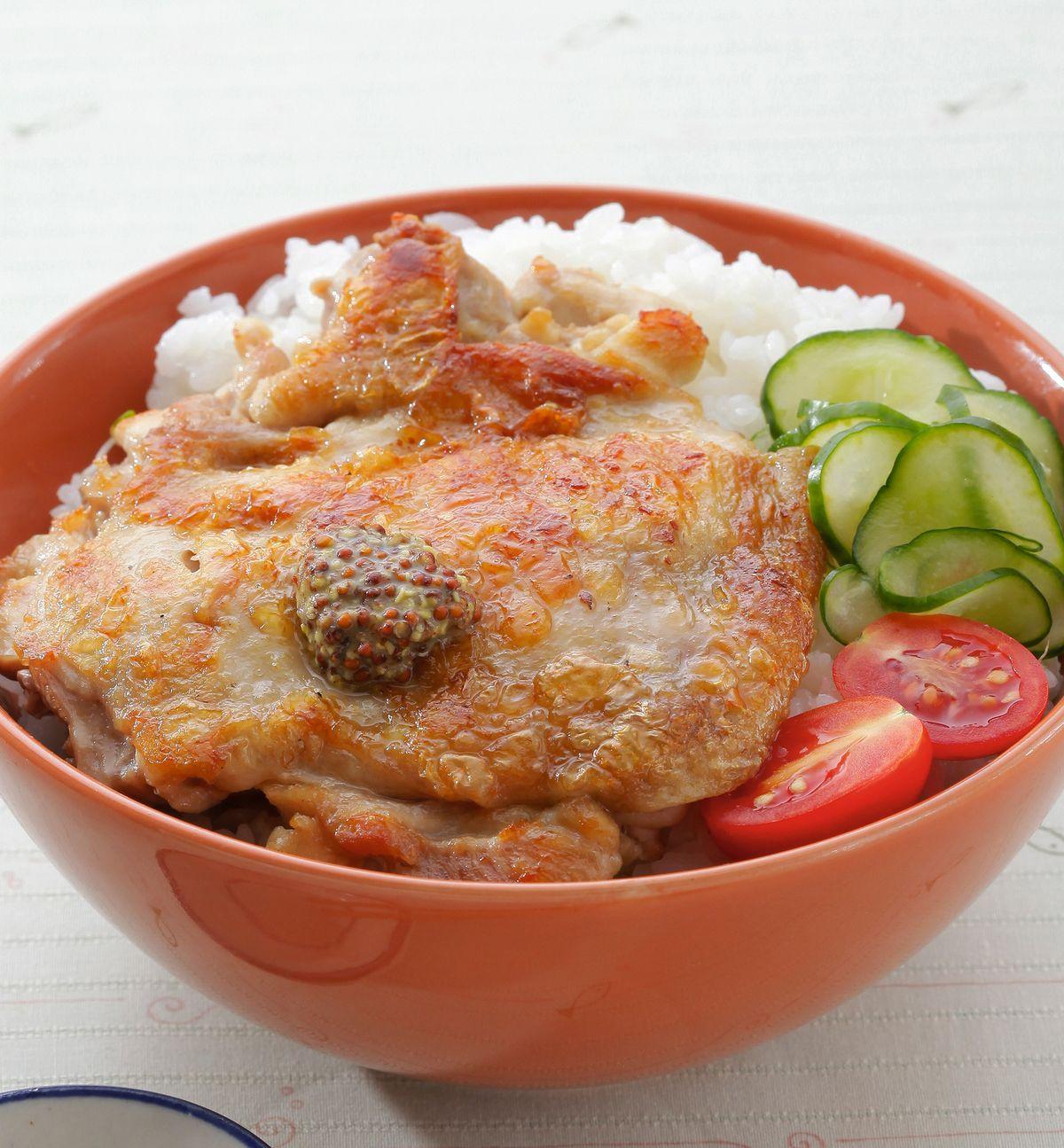 食譜:沙拉雞排蓋飯