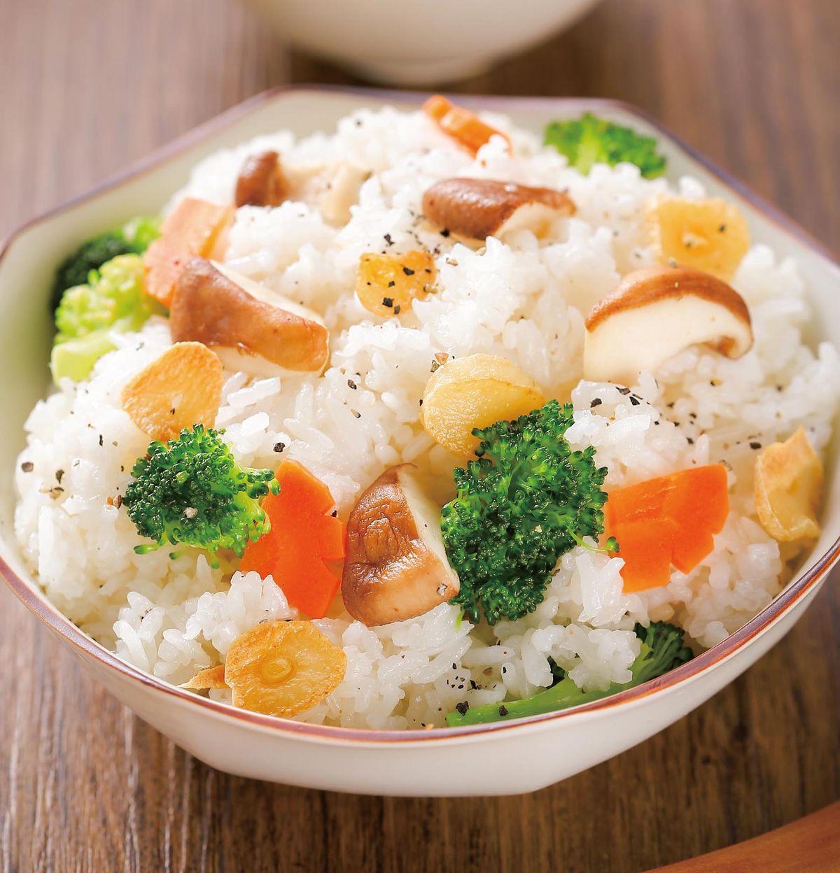 食譜:蒜香鮮菇炒飯