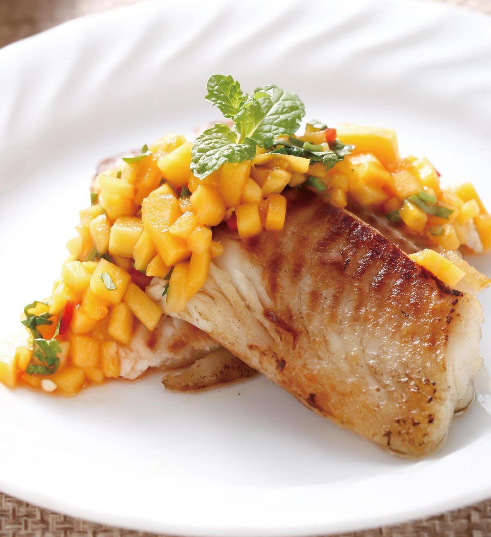 食譜:香煎鯛魚佐芒果莎莎醬