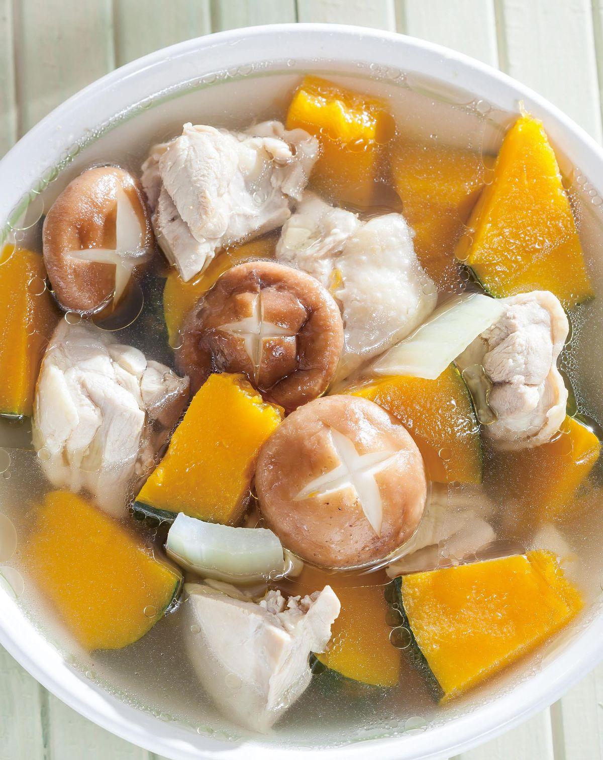 食譜:鮮菇南瓜雞湯