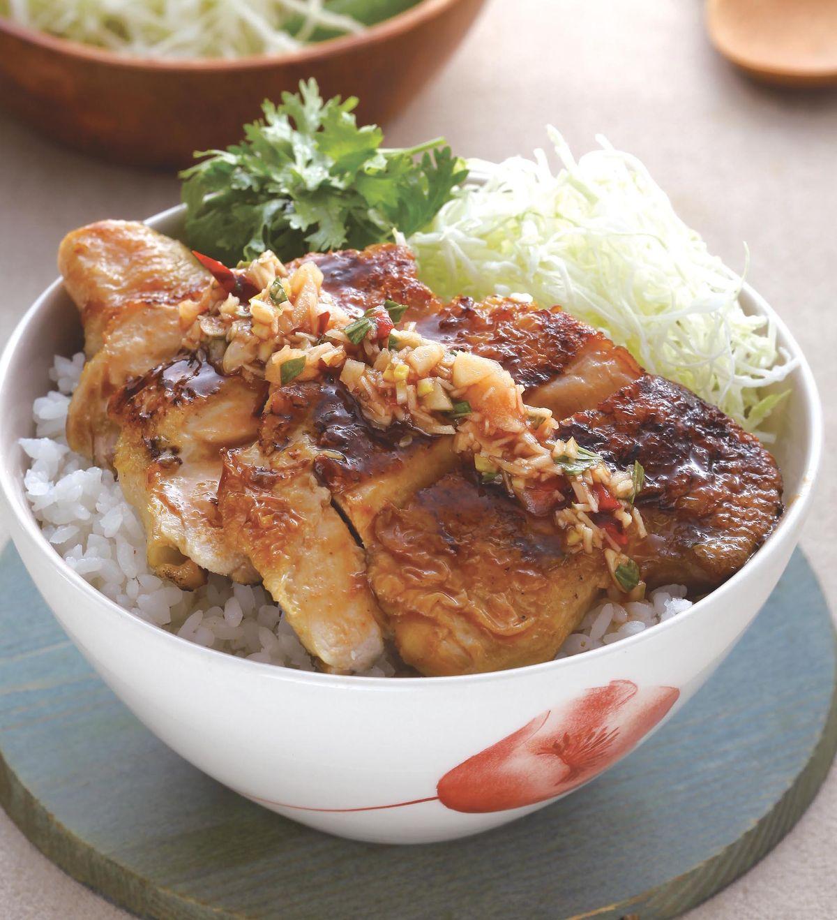 食譜:泰式椒麻煎雞腿蓋飯
