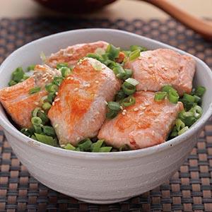 香煎鮭魚蔥花丼
