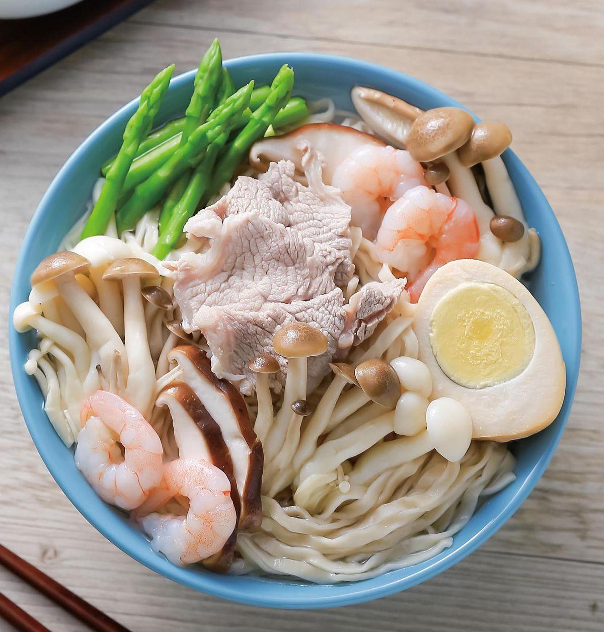 食譜:蝦仁肉片鮮菇湯麵