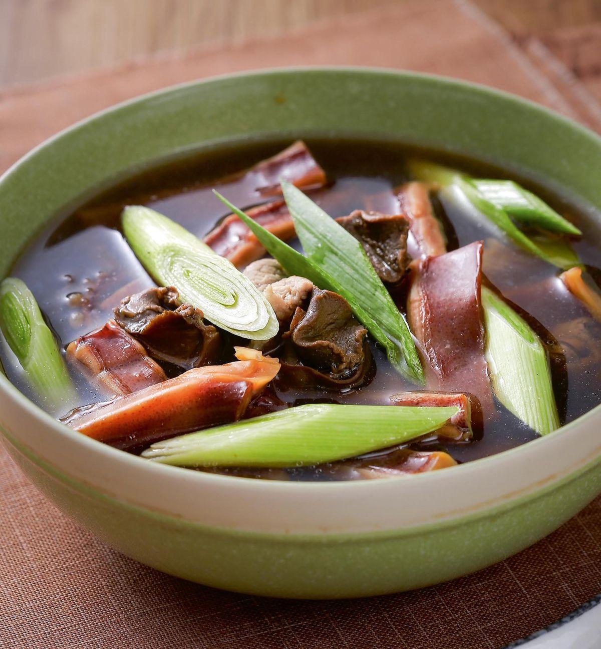 食譜:魷魚螺肉蒜湯(2)