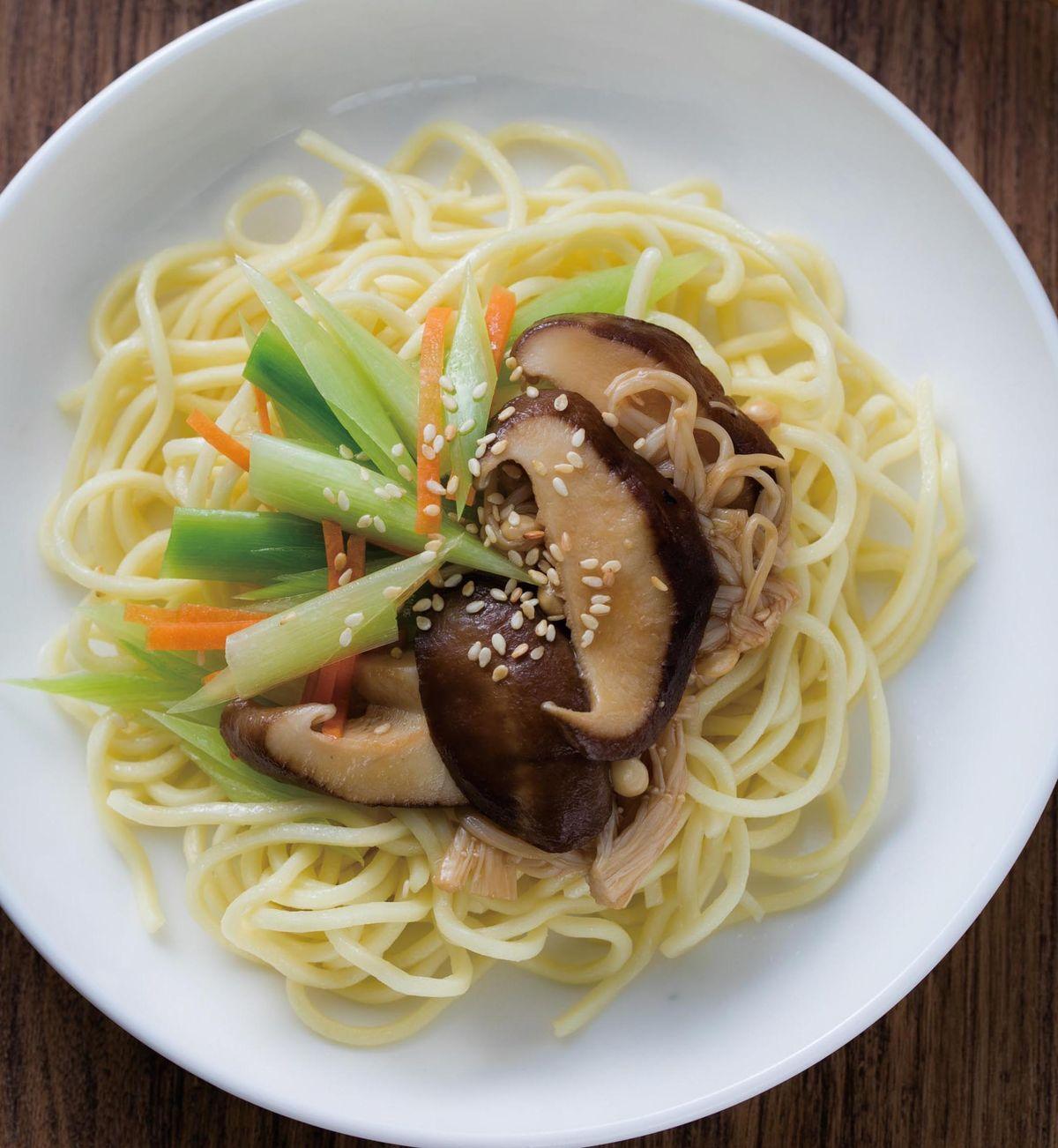 食譜:碧玉鮮菇拌麵