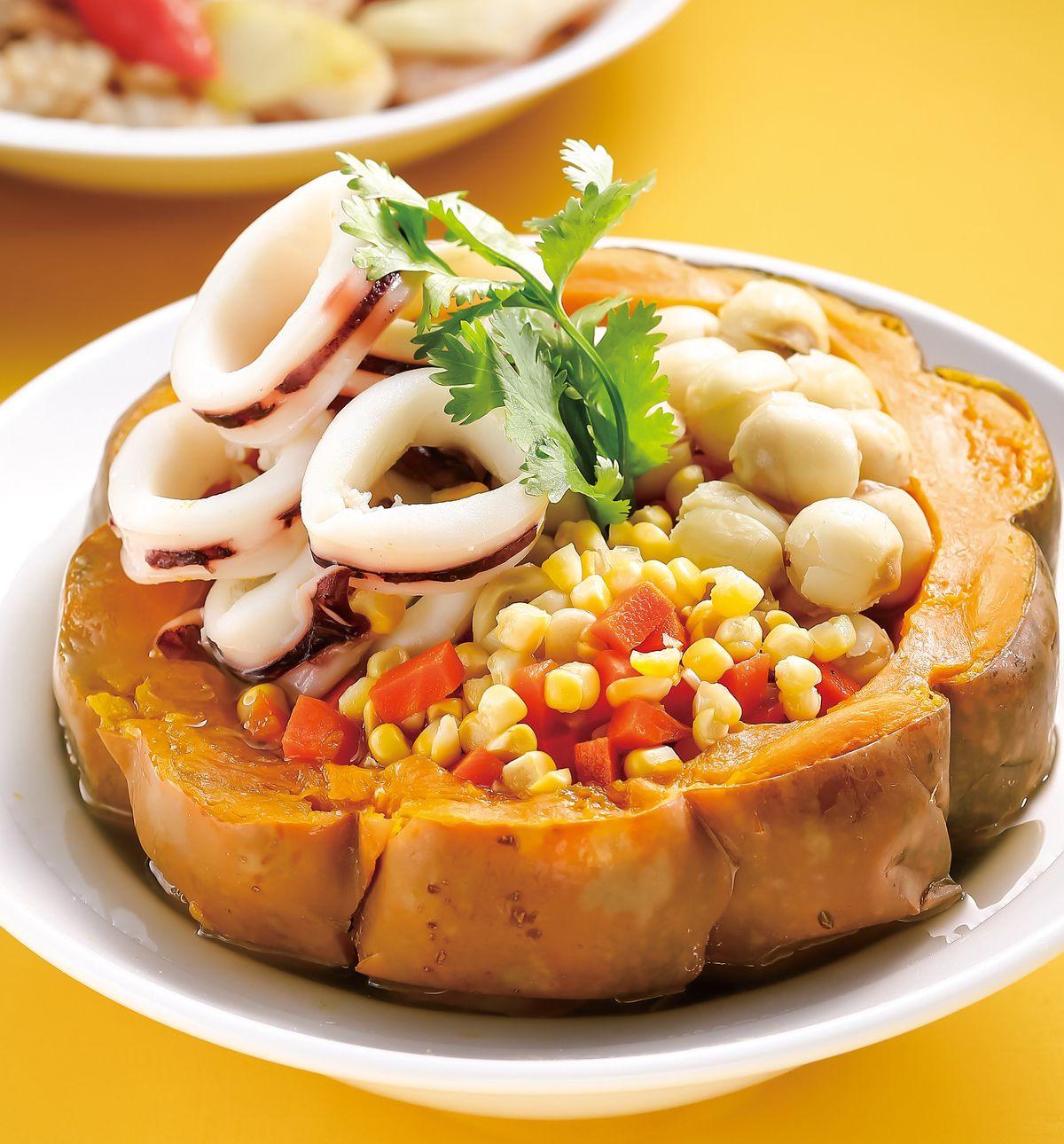 食譜:南瓜海鮮盅