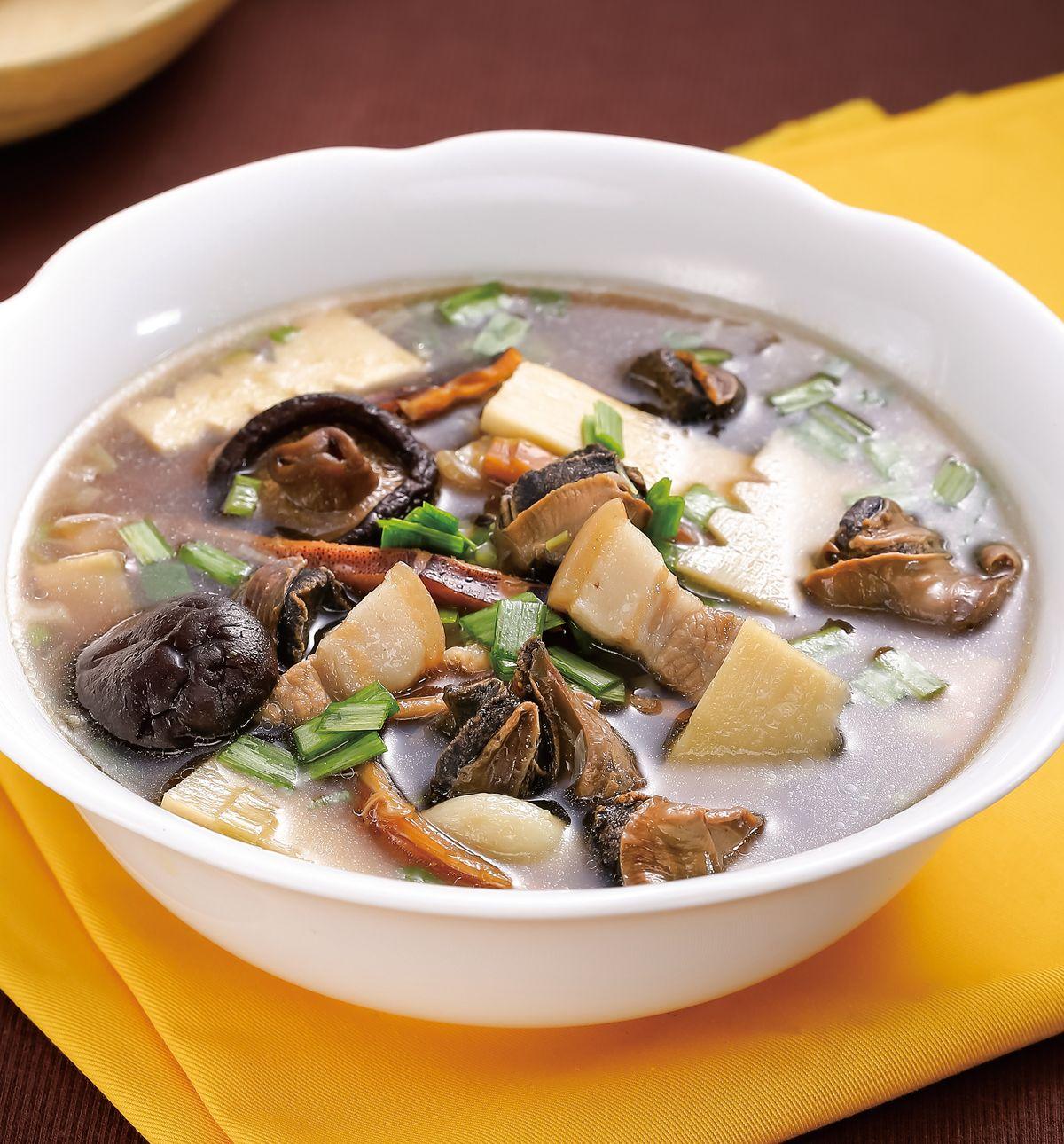食譜:魷魚螺肉蒜湯(3)