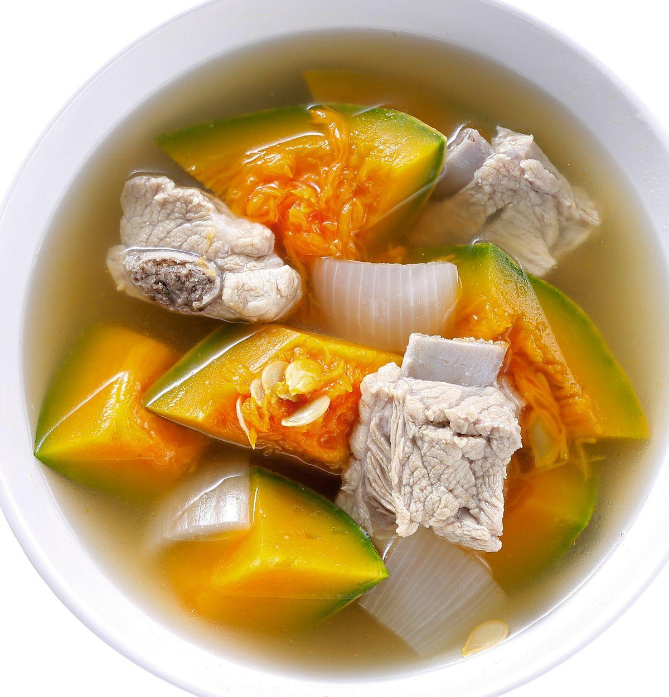 食譜:洋蔥南瓜排骨湯