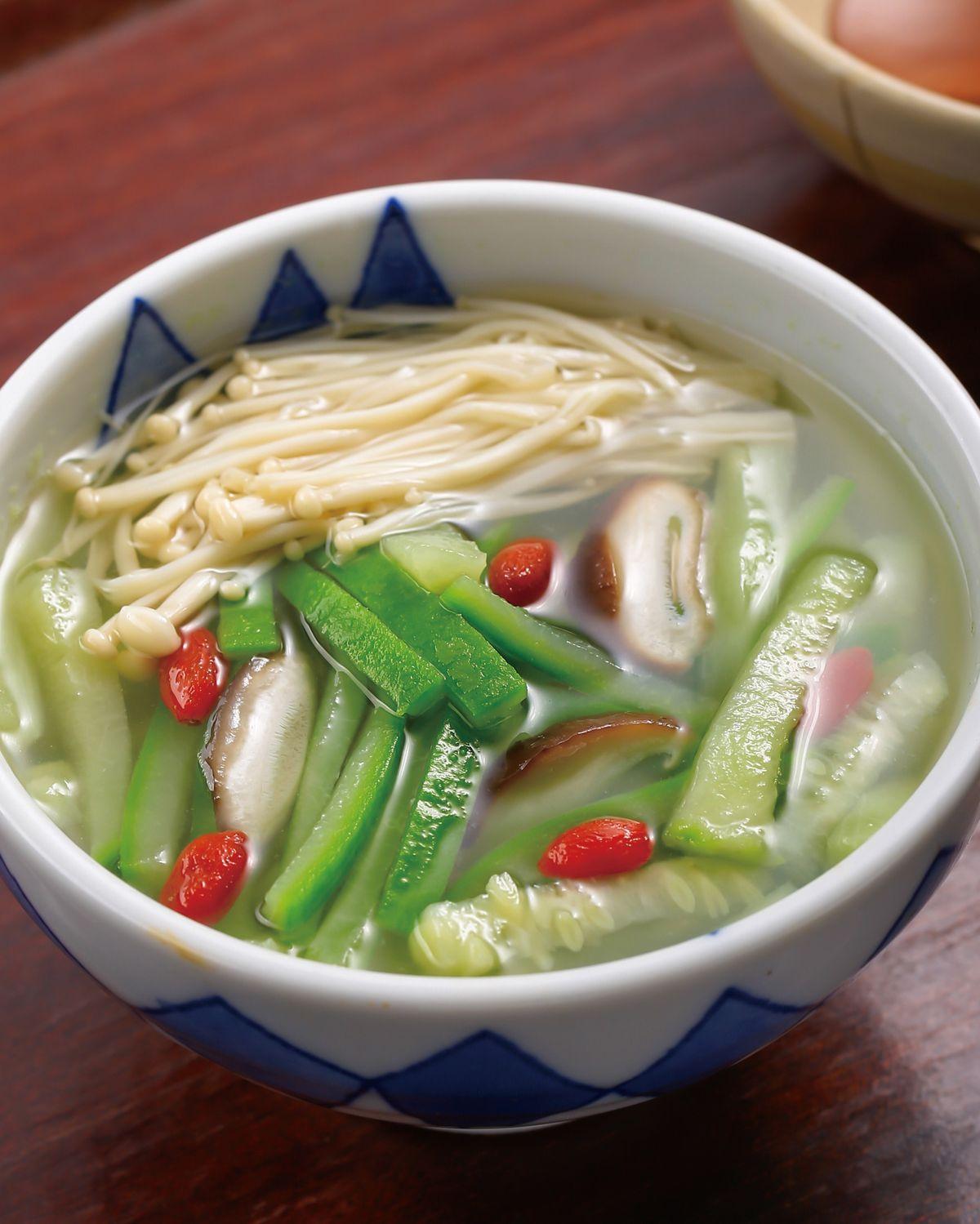 食譜:金針菇絲瓜湯