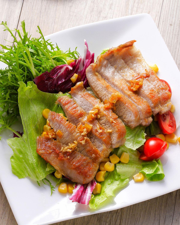 食譜:香煎松阪豬沙拉