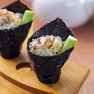 鮭魚沙拉飯卷