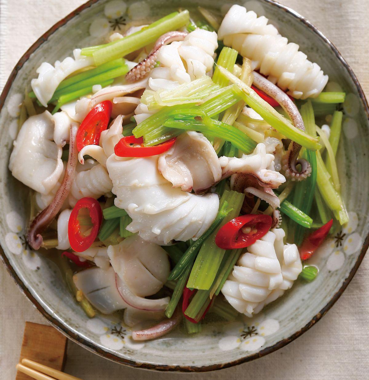 食譜:芹菜炒透抽(1)