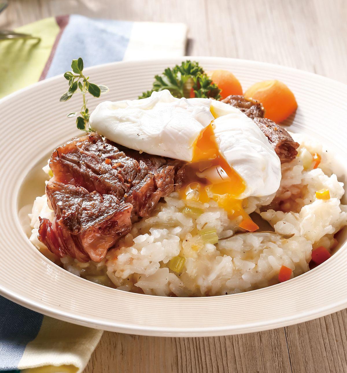 食譜:牛排水波蛋燉飯