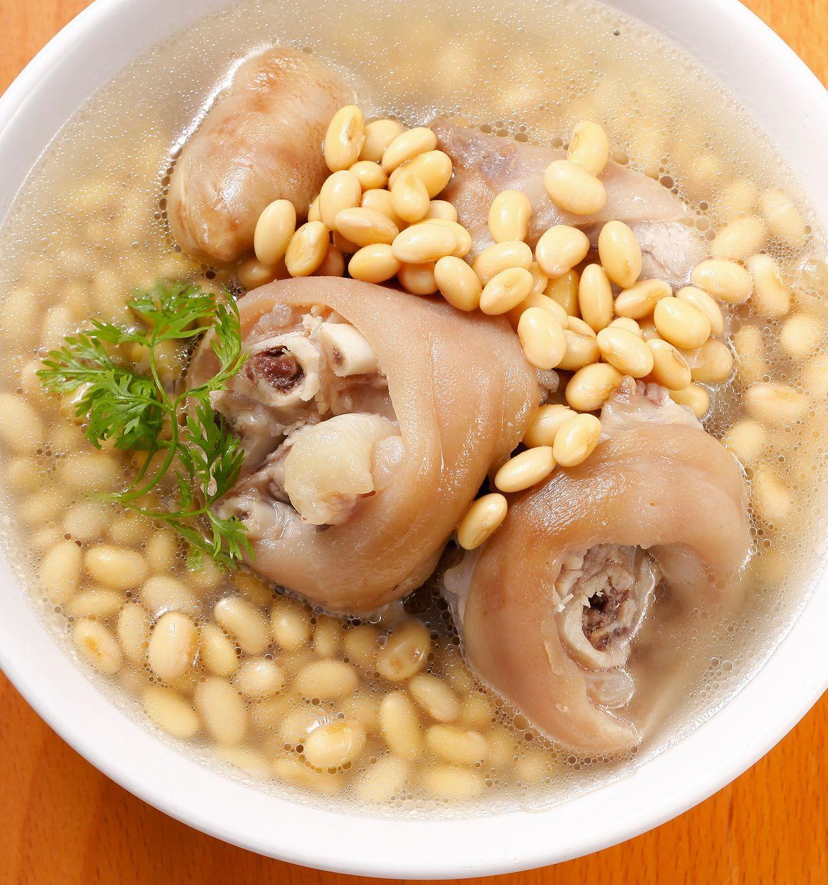 食譜:黃豆燉豬腳