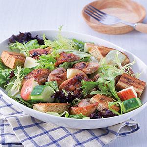 烤麵包雞肉輕食沙拉