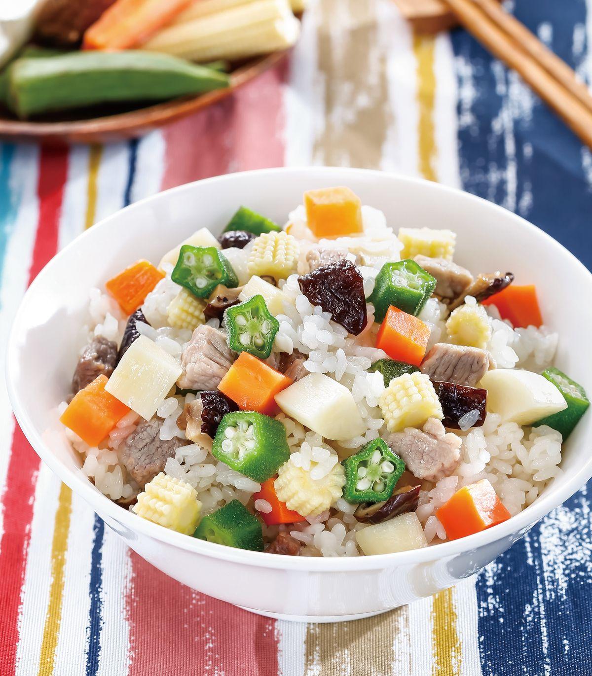 食譜:五色蔬菜肉丁炊飯