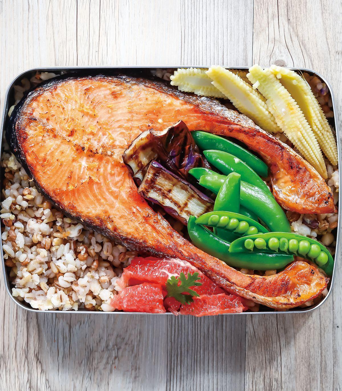 食譜:柚香烤鮭魚排便當