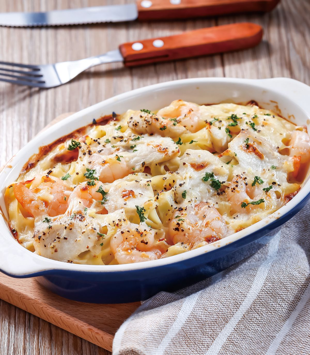 食譜:奶油海鮮焗寬麵