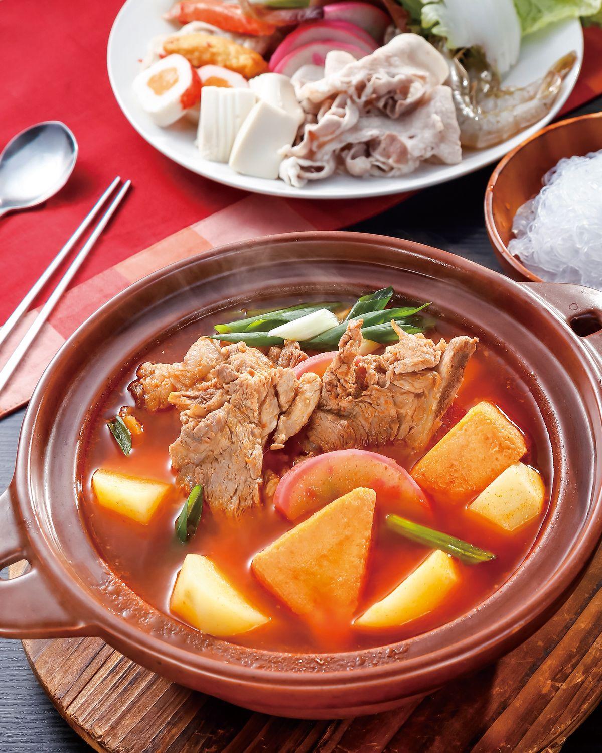 食譜:韓式馬鈴薯豬骨鍋