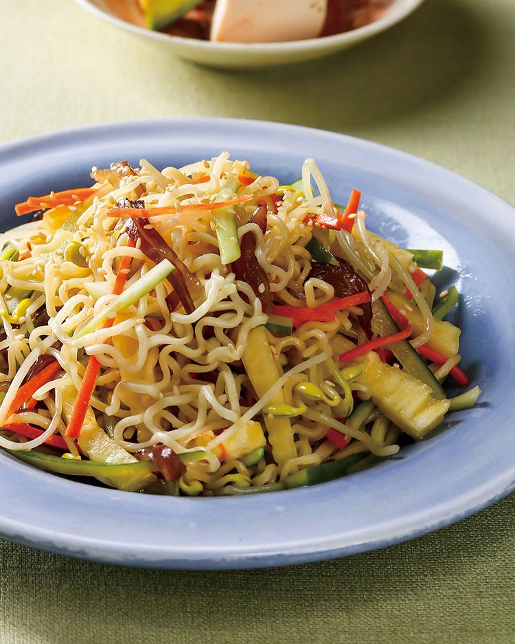 食譜:彩椒沙拉拌麵
