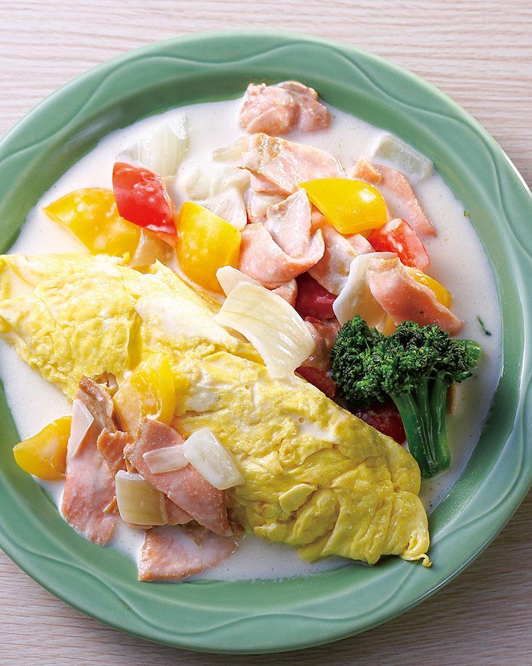 食譜:煙燻鮭魚歐姆蛋包飯