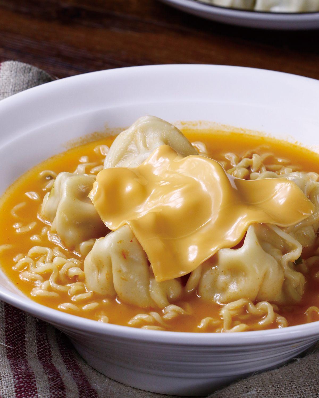 食譜:泡麵餃子鍋