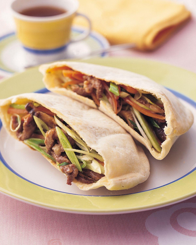 食譜:蒜苗肉絲袋餅