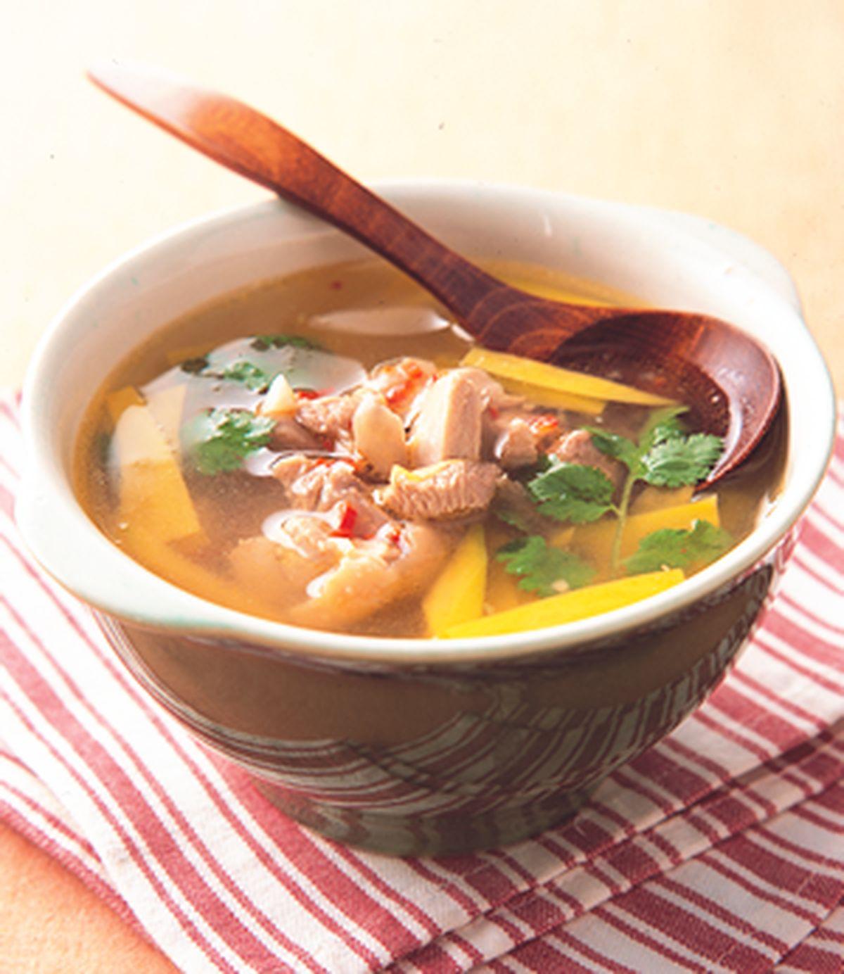 食譜:墨西哥酪梨雞湯