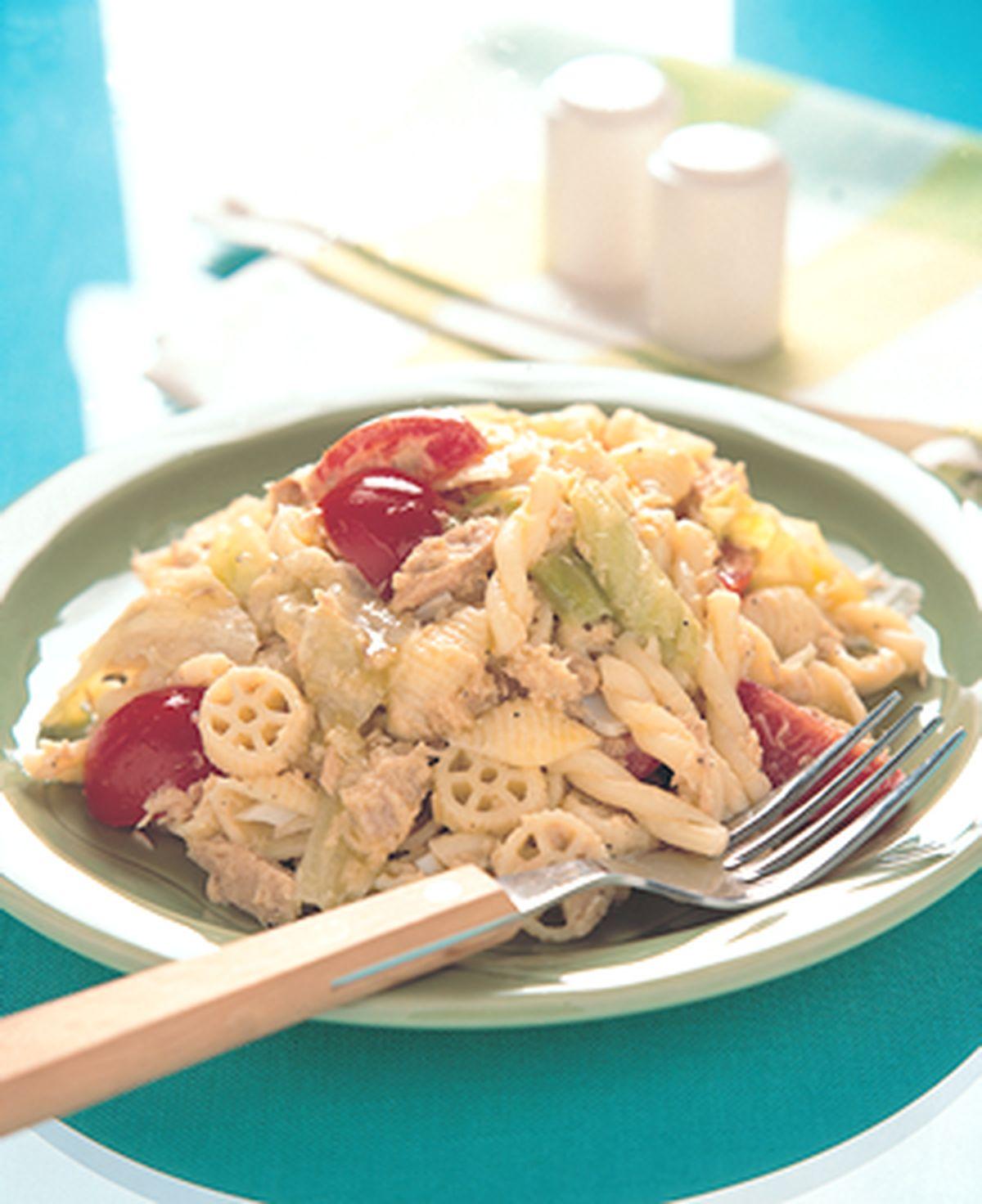 食譜:鮪魚沙拉麵