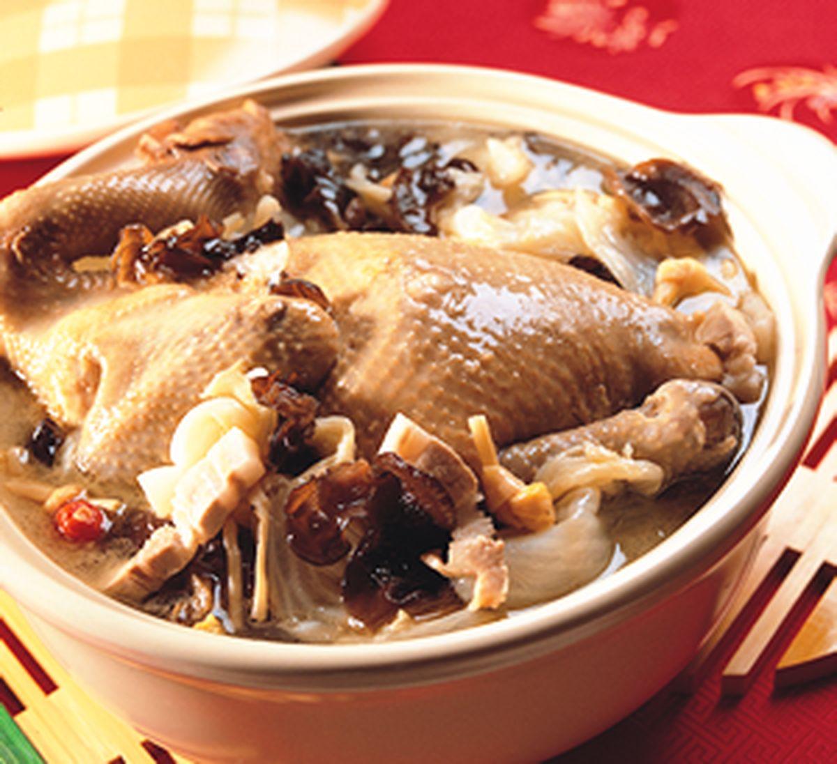 食譜:白菜燉全雞