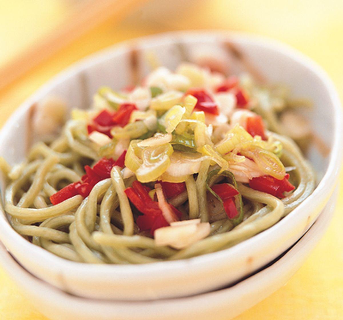 食譜:酸辣綠藻涼麵