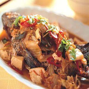 泡菜煨石斑魚
